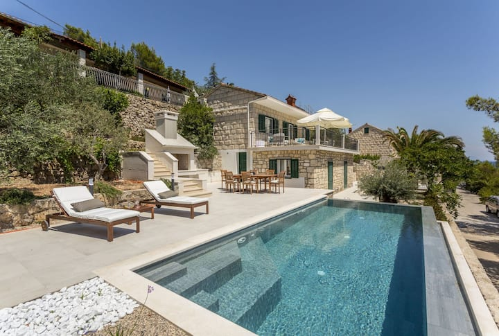 Luxury Beachfront Villa Sweet Home Puntinak with private pool by the sea on Brac island - Sumartin