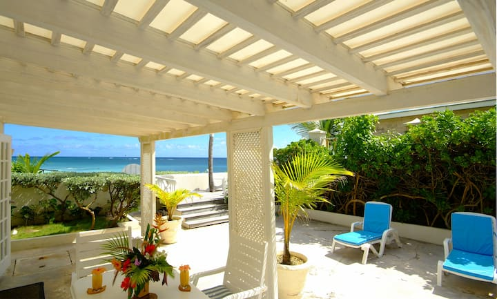 """Seaside"", 2 bedroom apt. on Silver Sands Beach"