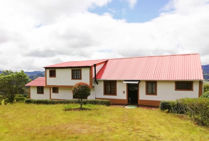 La Pradera - Casa de campo en Guasca, Cundinamarca