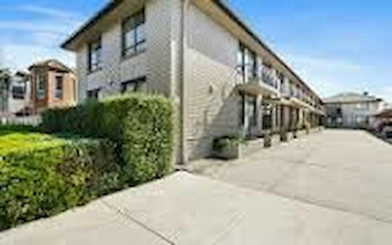 Homely Cosy Modern 1 bedroom Williamstown North - Williamstown  North - Apartament