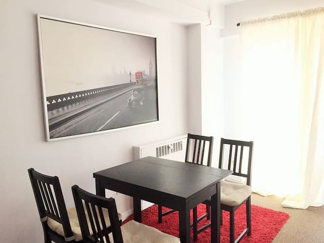 Cozy Private BR in DT Montreal close to everything - Montréal - Appartamento