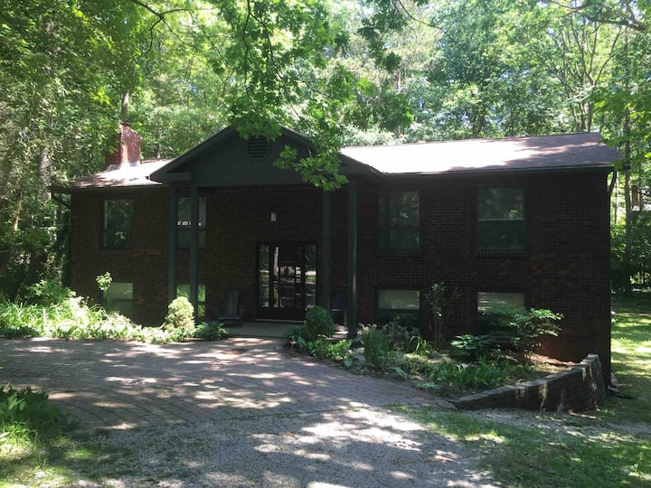 Southcott Pines Family Cottage