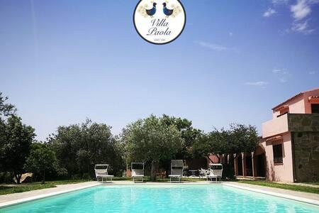 Tipica Villa Sarda con piscina e giardino