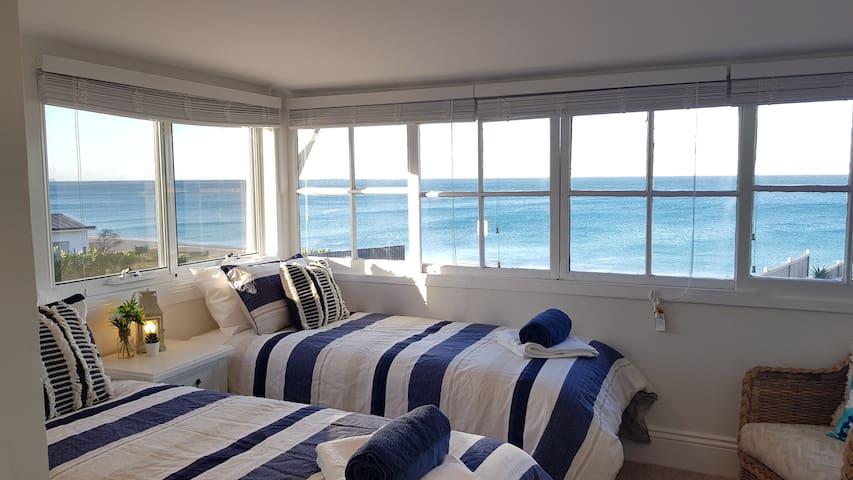 Victorian beachfront apartment with ocean views; 6