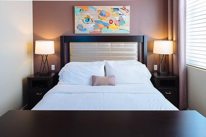 Plaza Suite bedroom