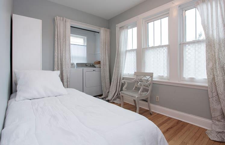 Bedroom 3 Laundry Rm