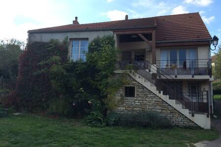 Maison bourguignone (3 chambres) - Foissy-lès-Vézelay - Casa