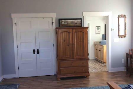 Horse Farm Studio Apartment long/short term rental
