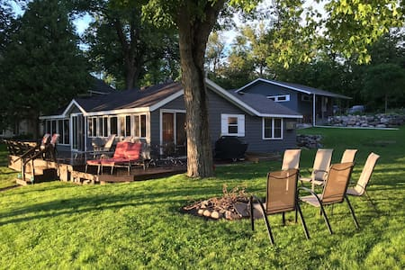 Newly Remodeled Comfy Cottage