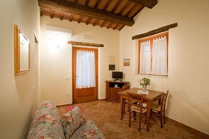 holiday home for 2/3 person in Le Marche, Rosa apt - Roncaglia - Timeshare