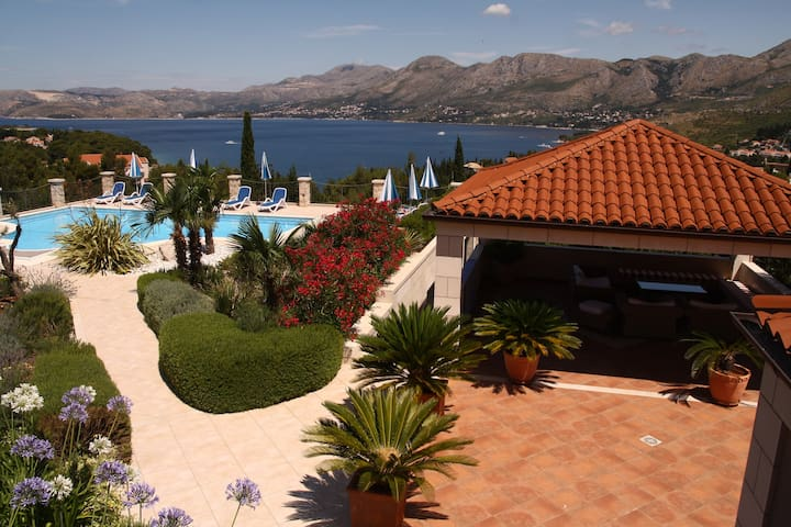 Villa Alegria Cavtat-Studio with Patio&Garden View