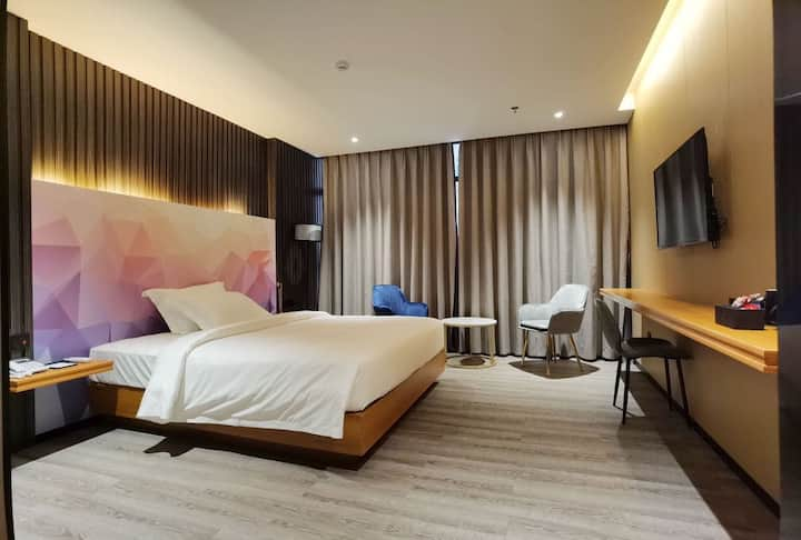 Deluxe Double Room - Joy Hotel Phnom Penh