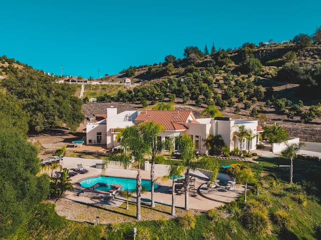 Spectacular and Secluded 5BD Villa with Breathtaking Valley Views