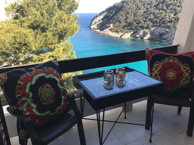 Beachfront Loft Ibiza - Cala Llonga - Apartment