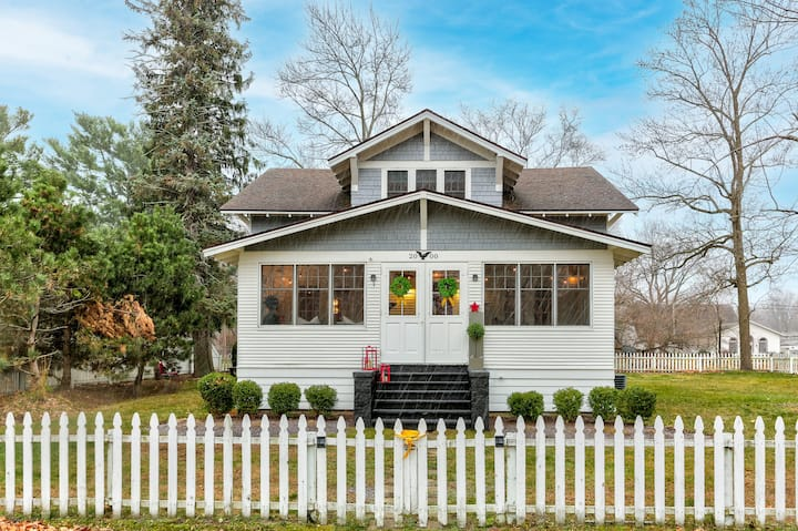 Old Scotch Cottage in Holland/Saugatuck