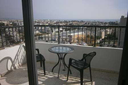 2-Bdr Apartment with amazing view - Mesa Geitonia