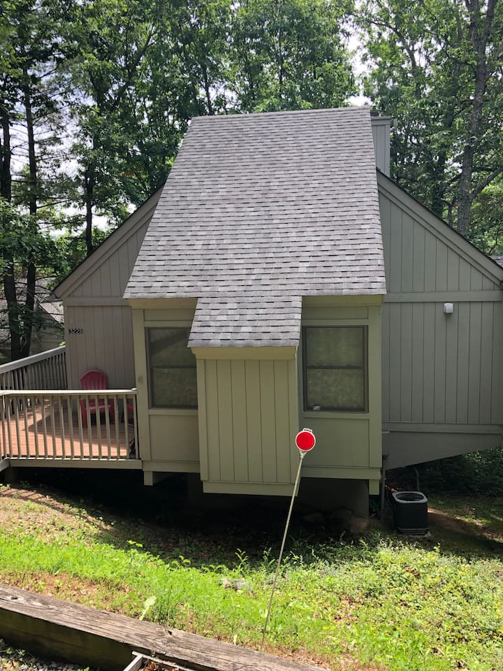 Cozy Cabin in the Woods - 2 BR/1 BA