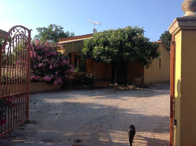 La Maison Jaune2 - Pourrières - Casa