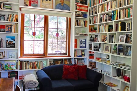 Watermark House-The Library+Views - Leura - Casa