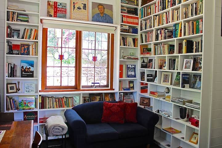 Watermark House-The Library+Views