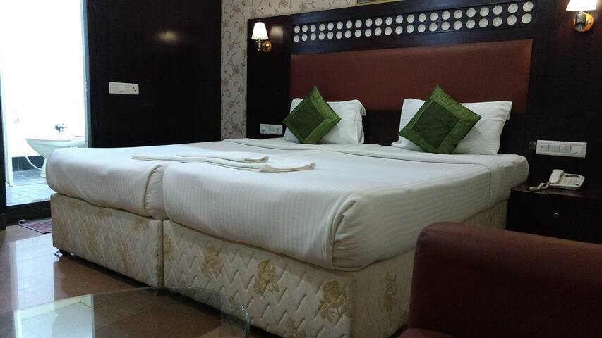 Hibiscus Inn - Standard Room - Bangalore - Bed & Breakfast