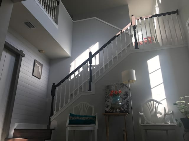 2nd Floor of a 2 story home (2 bedroom & loft)