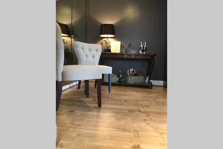 Spacious room near DTWN and Rodeo - Houston - Apto. en complejo residencial