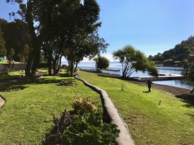Departamento a orilla de lago, Parque pinares