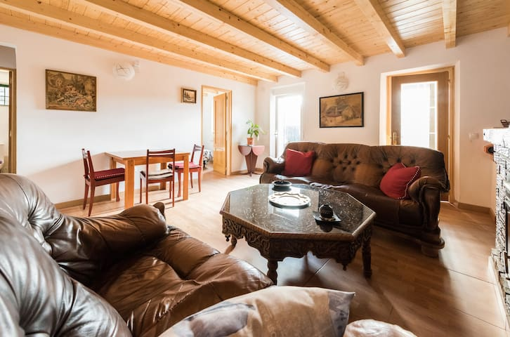 STYLE AND CHARM IN THE MOUNTAINS, WIFI, 3 ROOM,BBQ - Cercedilla - Rumah