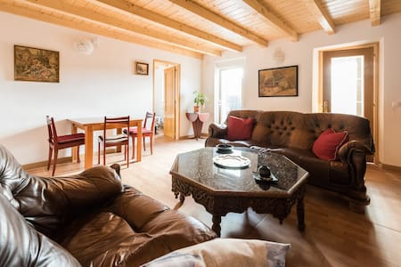 STYLE AND CHARM IN THE MOUNTAINS, WIFI, 3 ROOM,BBQ - Cercedilla - 独立屋