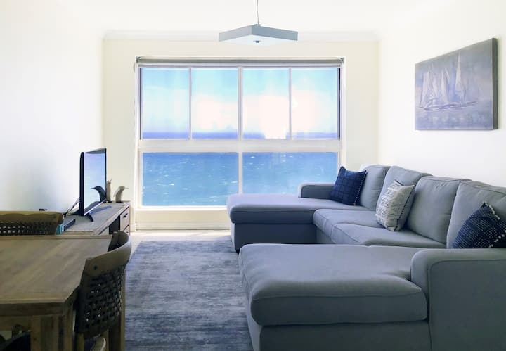 Luxury Sea View Apartment in Bloubergstrand