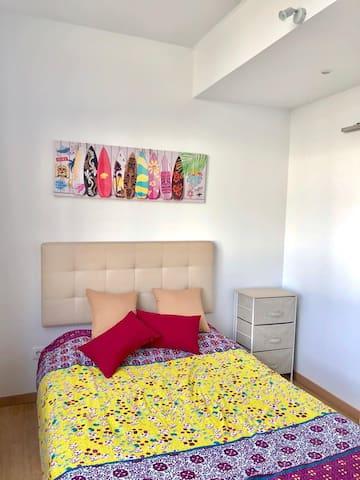 Quarto Roxo / Chambre violet / Velvet Room