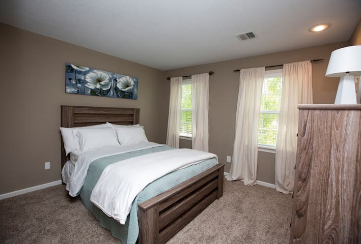 Comfy room in Overland Park near sprint center - Overland Park - Dom