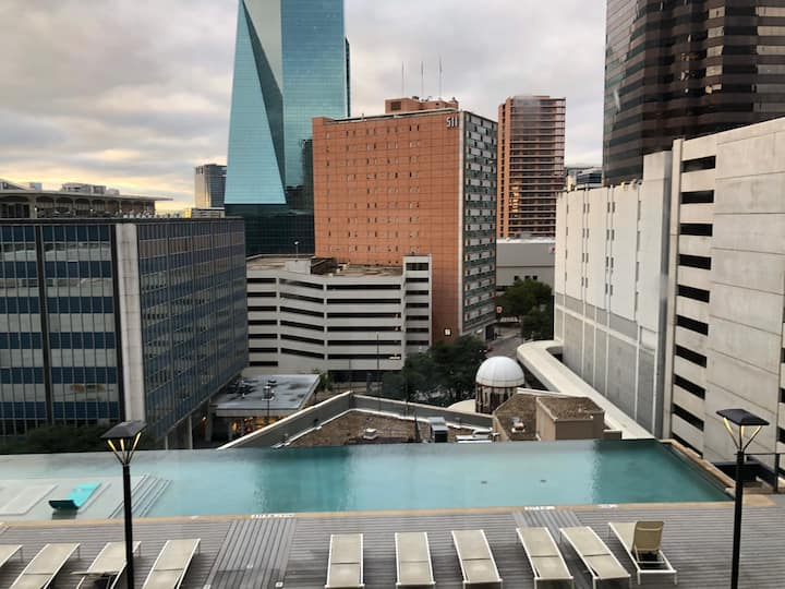 When Luxury Meets Views (Downtown Dallas)