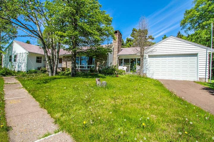 Parkview is a great family-friendly home in a park like setting with wonderful views of Lake Superior