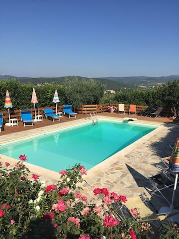 Appartamento in villa con piscina a Perugia
