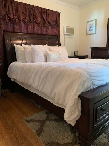 Queen Master Suite  In Wine Country