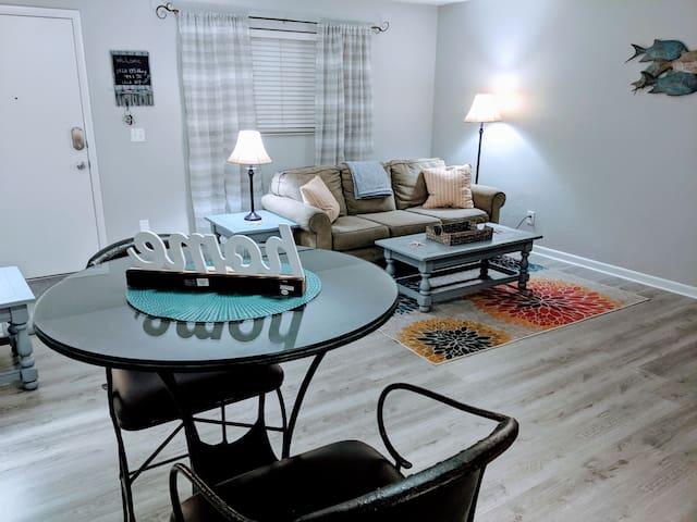 1/1 Lake Okeechobee upstairs fully furnished