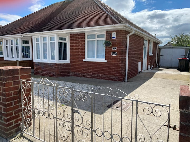 Inviting 2-Bed Bungalow