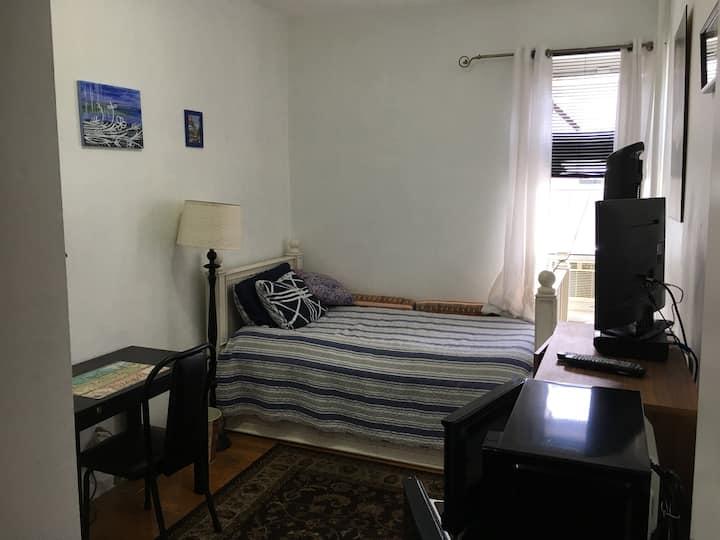 New Bedroom 1 guest in NYC ,Queens (Astoria)