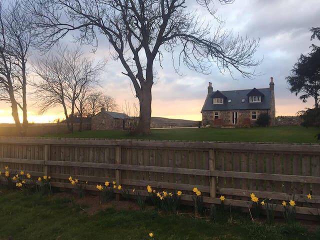 Double room with countryside views! - Forres