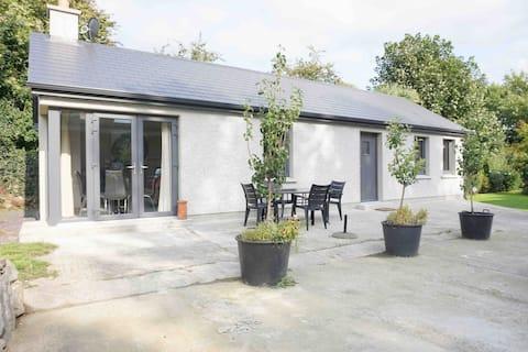 2 Bed Cottage close to Slane/Drogheda/Ballymagarve