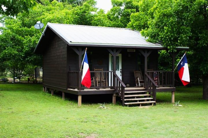 Double U Barr Ranch | Texan Cabin | BIG Breakfast