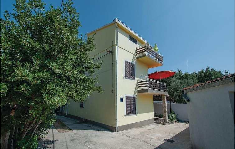 Holiday apartment with 1 bedroom on 45m² in Vodice