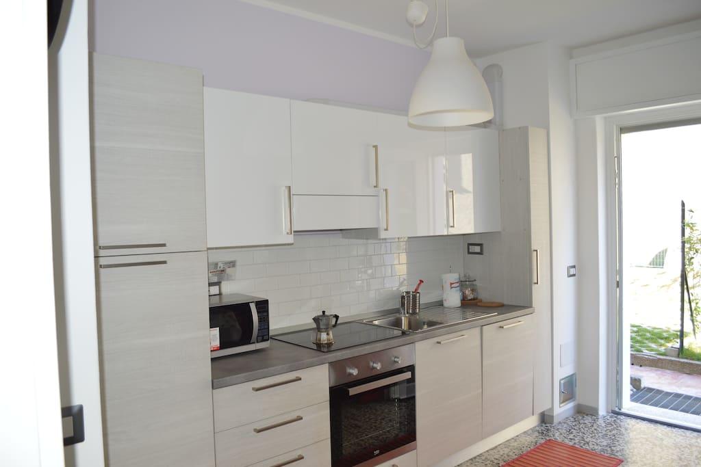 cucina ,frigorifero,frizeer,forno,lavastoviglie