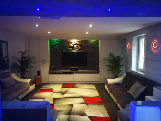 Chambres privées dans maison contemporaine