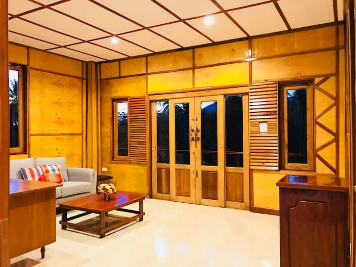 Wood Villa Mountain View 2-Bedroom