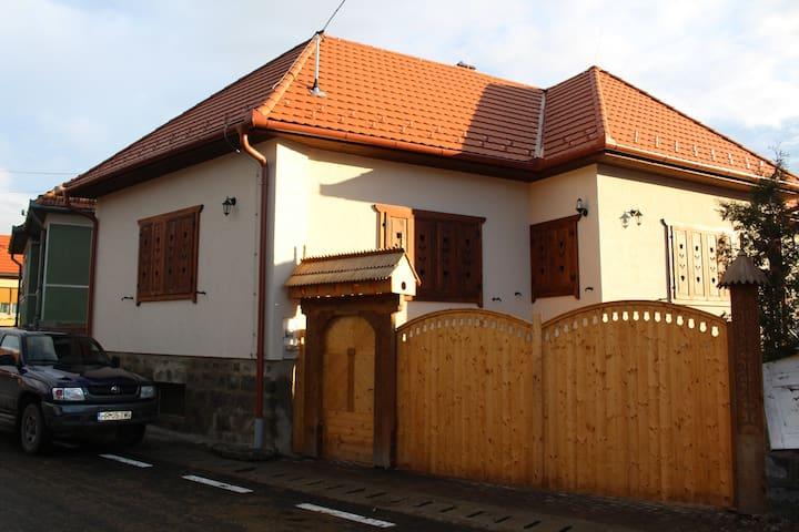 Oklánd - Kelemen  vendégház - Satu Nou - Dům