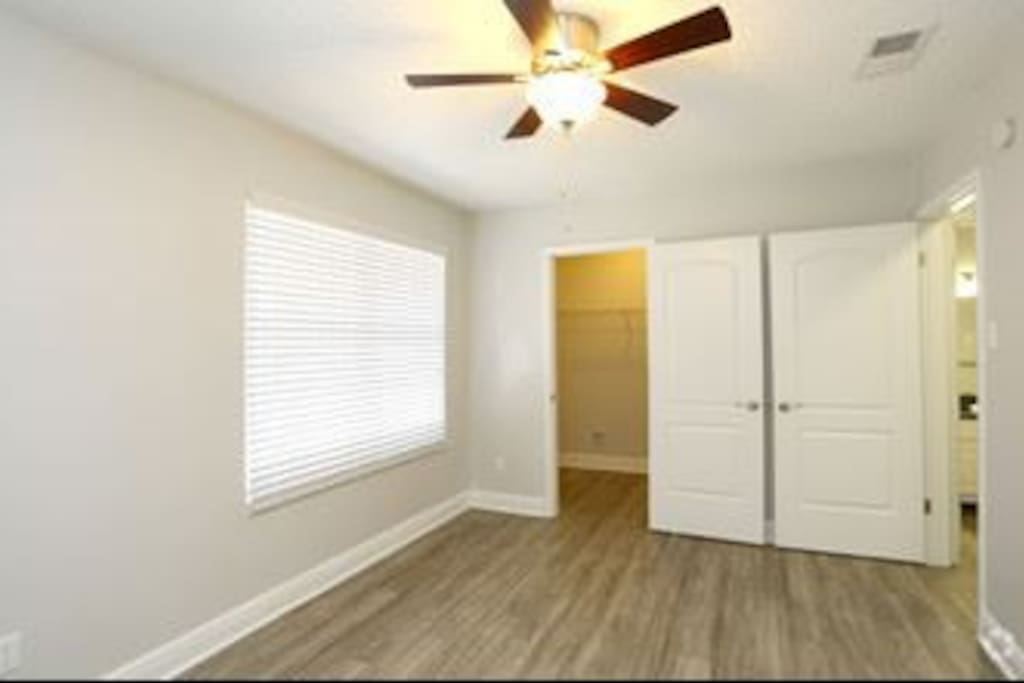 This is what the room would look like cleaned out
