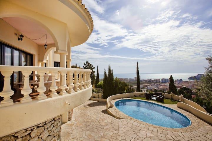 Peñíscola. Villa con vistas al mar. Habitación N°1